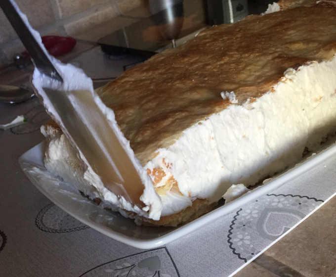 Bordi sistemati per torta diplomatica o veneziana con Maraschino