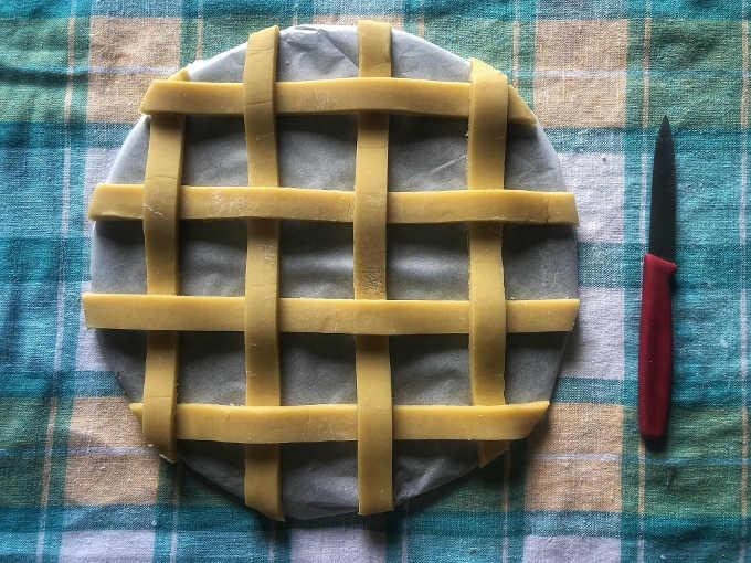 decoro di frolla per Torta con crema di pistacchio crema gianduia