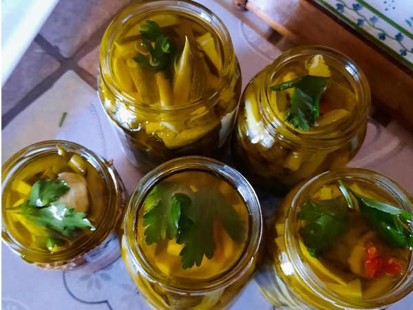 2 Zucchine sott'olio ricetta buonissima con peperoncino