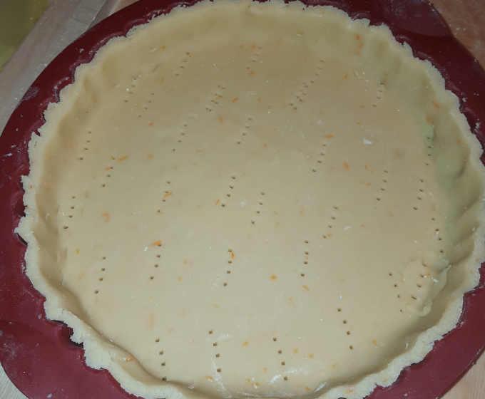 preparazione Crostata con Crema Frangipane e Marmellata di arance senza glutinepreparazione