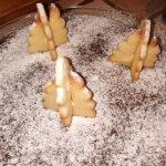 Torta caprese con alberelli in pasta frolla senza glutine
