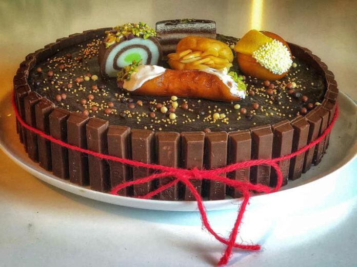 Torta al cacao con crema mascarpone e ganache al cioccolato