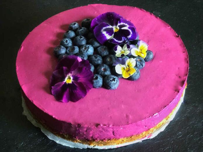Cheesecake con confettura frutti di bosco buonissima