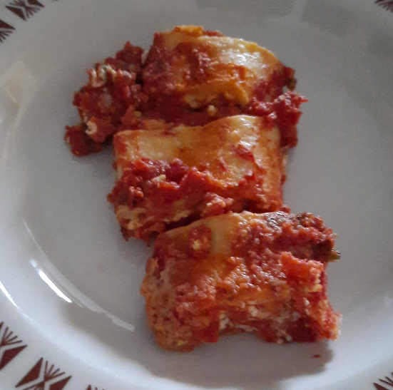 2 Girelle di pasta fresca senza glutine ricotta bocconcini di mozzarella granella di pistacchi