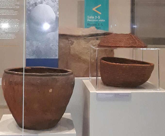 6 Museo Egizio di Torino oggetti da sepolture proto dinastiche