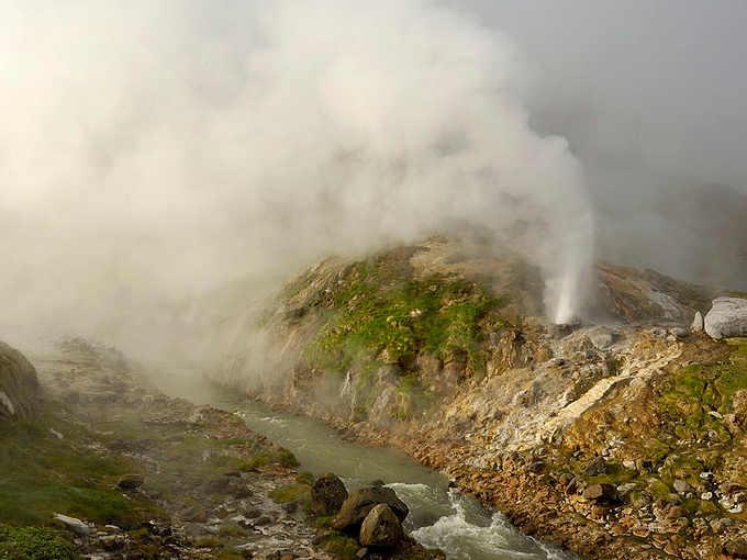 La Valle dei Geyser dello stratovulcano Kikhpinych