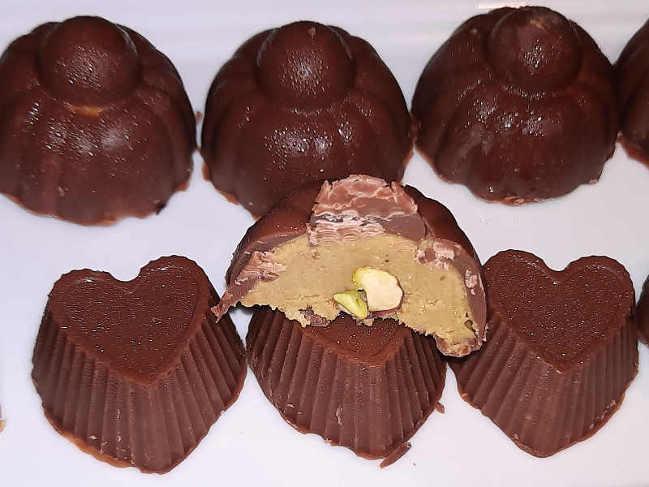 Cioccolatini al latte con crema di pistacchio 2
