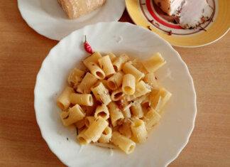 Mezze maniche con lardo di Norcia ricetta semplice