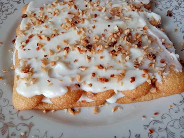 preparazione ricetta Pavesini con crema al mascarpone senza uova con Amaretto