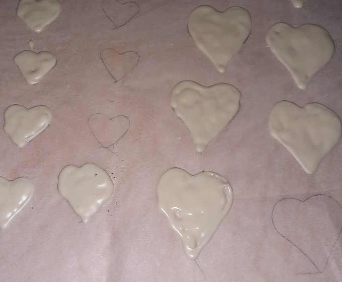 cuoricini di cioccolato bianco