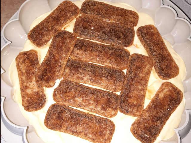 preparazione torta tiramisù moderna