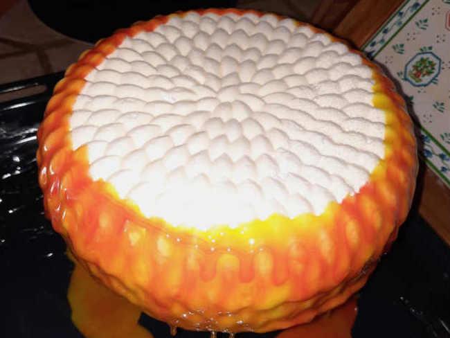 torta con glassa bicolore