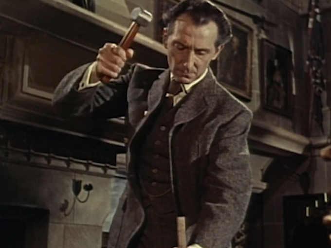 Peter Cushing nei panni di Van Helsing ne Le spose di Dracula