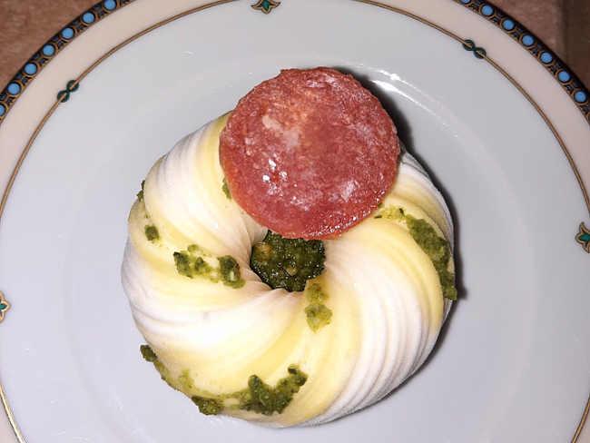 2 Panna cotta al basilico e parmigiano con gelèe di pomodoro senza glutine