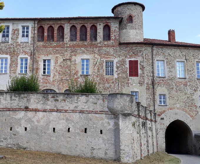 Sale San Giovanni, l'antico castello Marchesi Incisa di Camerana