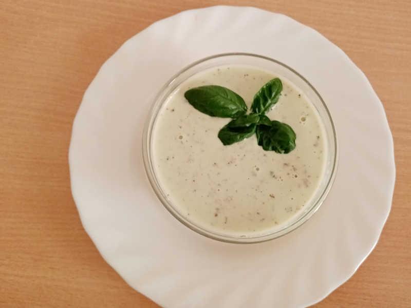 2Salsa Yogurt Basilico e Noci ricetta facile