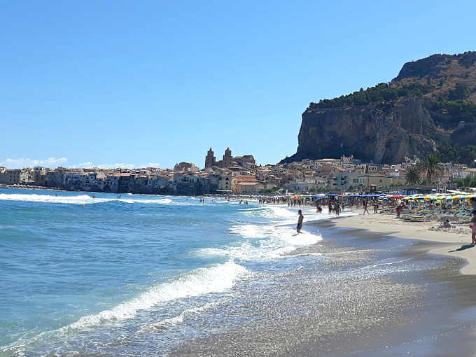 Vacanza a Cefalù la spiaggia