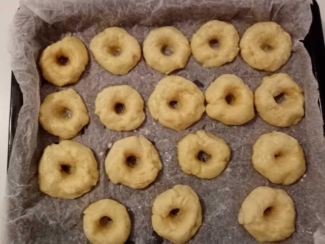 preparazione Biscotti con la panna senza uova e senza burro ricetta