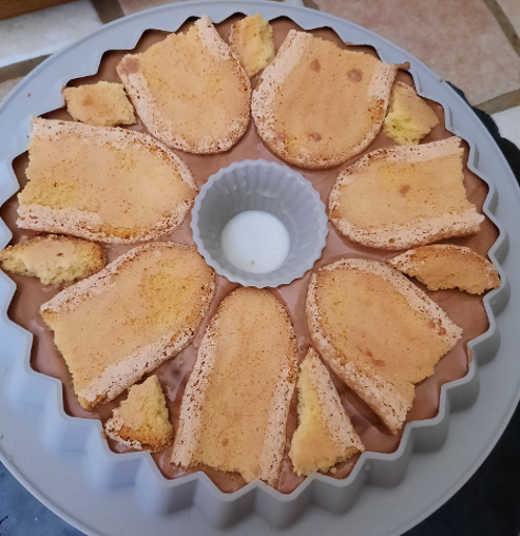 biscotti senza glutine su Torta gelèe di ciliegie panna cotta e mousse di gianduia