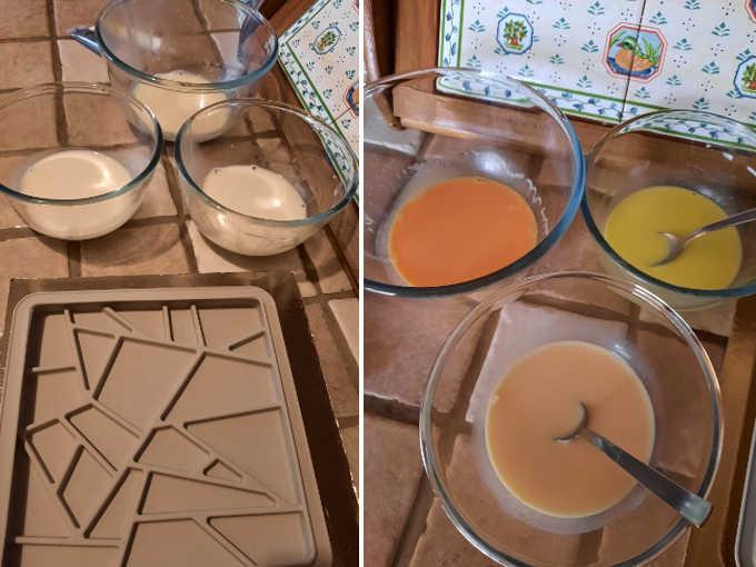 stampo mosaico con ciotole con acqua misurata a sinistra e a destra con panna cotta colorata